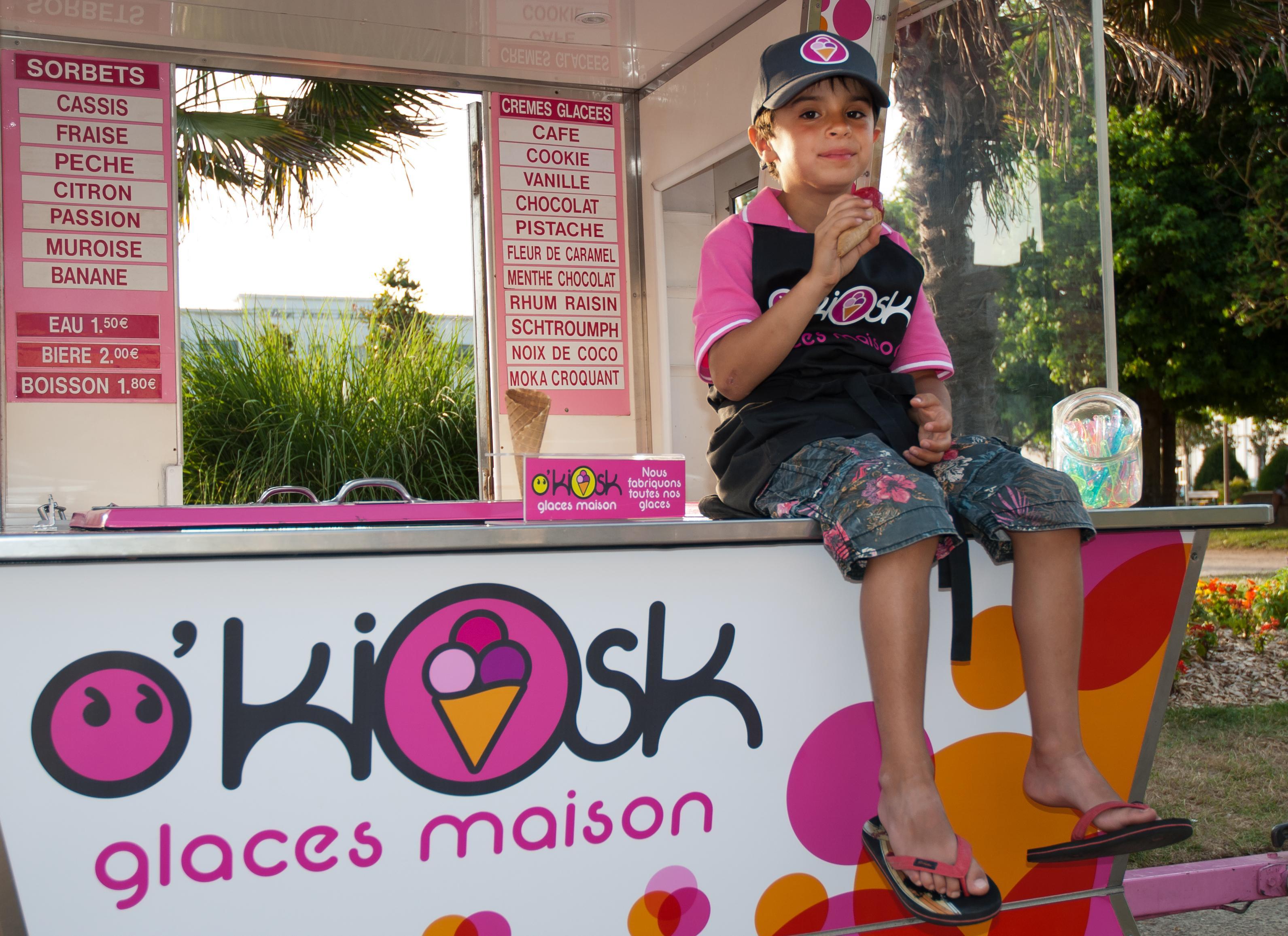 Manger des glaces bios aux Sables d'Olonne