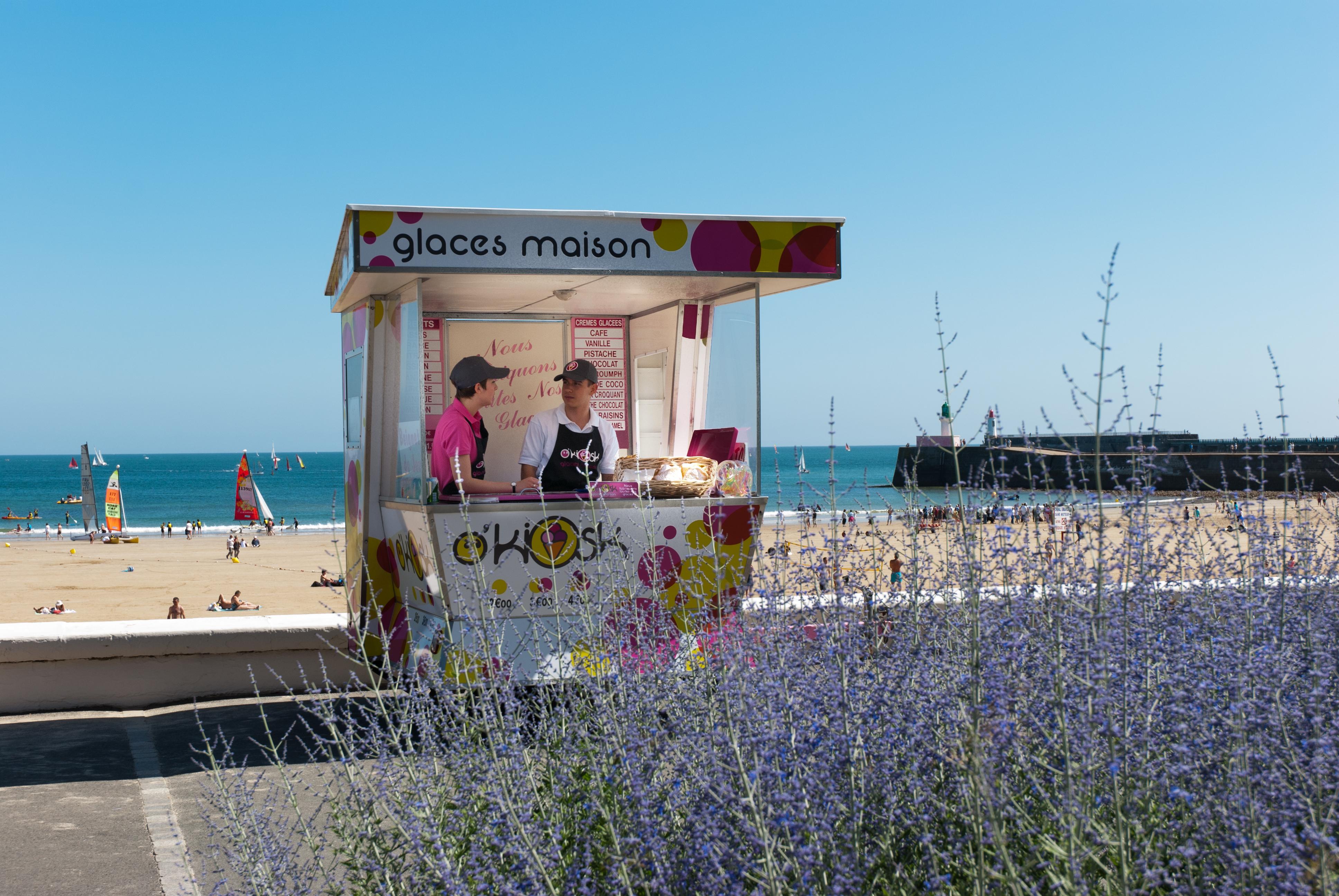 Kiosque crèmes glacées bio et naturelles des Sables d'Olonne